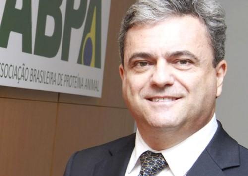 Ricardo Santin é o novo presidente da Câmara Setorial de Aves e Suínos do MAPA